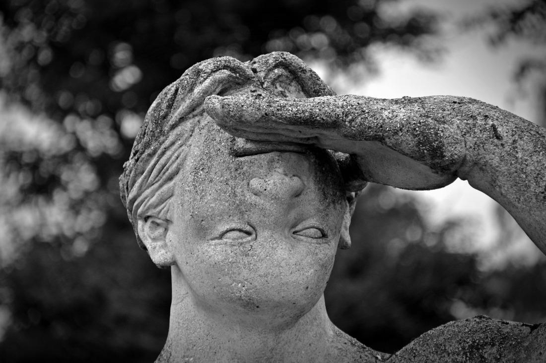 statue inverted